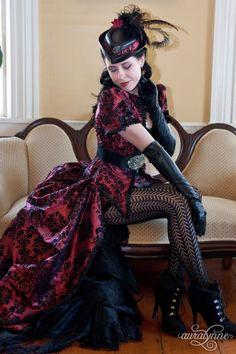 vampire fashion gothic beauty - Steampunk , vampire fashion gothic beauty ` victorian gothic beauty ` ghotic gothic beauty ` gothic beauty and the beast ` Steampunk Wedding Dress, Steampunk Dress, Gothic Steampunk, Steampunk Fashion, Steampunk Clothing, Steampunk Necklace, Victorian Gothic Wedding, Gothic Victorian Dresses, Gothic Dress