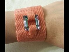 Handmade Jewelry: Peyote Bracelet With a Crystal Part 1 of 2 - YouTube