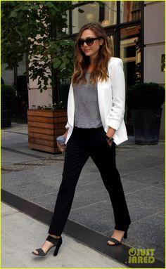 Elizabeth Olsen Leaves Her Soho Hotel