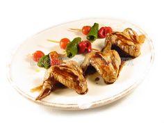 Alas de Pollo con Brochetas de Pimiento y Tomate :: #Recetas #NellaBisuTej Nellabisut_Recetas