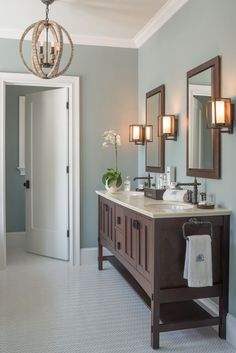 "ndavi Idea Home 2014. Walls: Benjamin Moore ""Mount Saint Anne"" 1565, Aura Bath & Spa. Ceiling: Benjamin Moore ""Gray Cashmere"" 2138-60, Aura Bath & Spa."