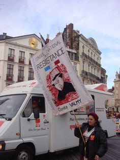 Some of the protesters just go all out #lille