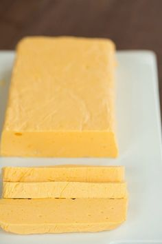DIY: Homemade Velveeta Cheese, make it without the horrible guilty feeling that comes with the unknown yellow block. Homemade Velveeta, Recipes With Velveeta Cheese, Homemade Cheese, Mac Cheese, Velveeta Cheese Sauce, Cheese Whiz, Cheese Curds, Yogurt, Appetizers