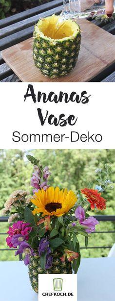 Wunderschön: So zaubert ihr aus der Ananas-Schale eine exotische Blumen-Vase.