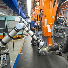 Smart Robots Can Now Work Right Next to Auto Workers It used to be too dangerous to have a person work alongside a robot. But at a South Car...