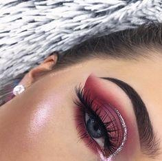 Eye Makeup Tips.Smokey Eye Makeup Tips - For a Catchy and Impressive Look Glam Makeup, Pink Eye Makeup, Kiss Makeup, Pretty Makeup, Gorgeous Makeup, Makeup Inspo, Makeup Inspiration, Beauty Makeup, Hair Makeup