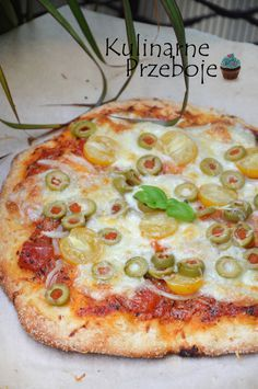 Ciasto na pizze - szybkie, najlepsze, bez wyrastania! Ciasto na pizze ekspresowe, ciasto na pizze bez wyrastania, szybkie ciasto na pizze, przepis na pizze. 2 Ingredient Pizza Dough, Snack Recipes, Cooking Recipes, Polish Recipes, Dinner Dishes, Vegetable Pizza, Food Porn, Food And Drink, Yummy Food