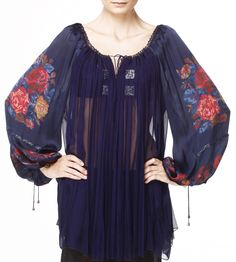 Valentina Vidrascu romantic blouse Folk Fashion, Ethnic Fashion, Women's Fashion, Gypsy Style, Bohemian Style, Folk Style, Fiesta Outfit, Embroidered Clothes, Peasant Blouse