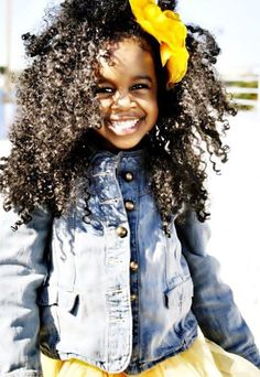 Kid with beautiful natural healthy hair! my girls are going to look like this:)