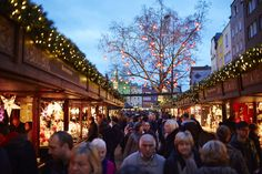 Cologne Christmas Market © Weihnachtsmarkt Kölner-Altstadt Dieter Jacobi. More Christmas Markets on @ebdestinations