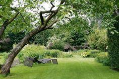 Op dinsdag 21 juni houdt de Tuinen Mien Ruys in Dedemsvaart een open avond voor alle inwoners van de gemeente Hardenberg. Op deze avond heeft u gratis toegang tot de Tuinen.   Tijdens de open avond kunt u genieten van dertig verschillende voorbeeldtuinen, waarvan twintig aangelegd door Mien Ruys, Nederlands bekendste vrouwelijke tuinarchitecte. Zeventig jaar lang, van 1924 tot 1994, heeft zij geëxperimenteerd met beplanting, ontwerp en materialen. Een wandeling door de Tuinen Mien Ruys is…
