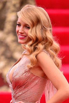 Old Hollywood wavy hairspiration: 10 celebrities who inspire the look.