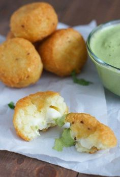 Yuca Balls Stuffed with Cheese with Cilantro Dressing Yuca Fritters Recipe, Yummy Appetizers, Appetizer Recipes, Fried Yuca, A Food, Food And Drink, Comida Boricua, Cilantro Dressing, Dominican Food