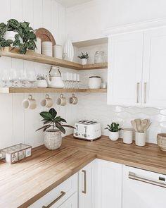 Kitchen Room Design, Home Decor Kitchen, Kitchen Interior, New Kitchen, Home Kitchens, Bohemian Kitchen Decor, Open Shelf Kitchen, Kitchen Cabinets, Open Shelves