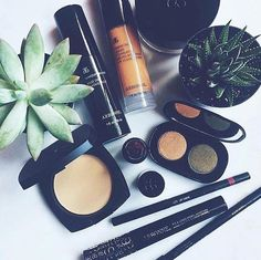 Arbonne's makeup range is to die for!! Products that do their job, making you look beautiful with no harmful ingredients AT ALL!