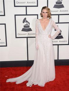Grammy 2014: Keltie Knight, una de las más aplaudidas de la alfombra roja
