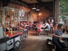 Hotspot: Le Comptoir Général Little Bao, Paris Summer, Cafe Bar, Store Fronts, Diy Decoration, Coffee Shops, Interior Design, Places, Restaurants