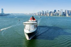 LIKE if you would LOVE to be on this famous Queen right now? Image thanks @CUNARD #Cunard #QM2