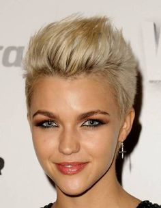 Short Blonde Edgy Hairstyle - Casual, Everyday, Summer -Careforhair.co.uk