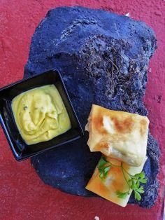 lubina crujiente con salsa de cava