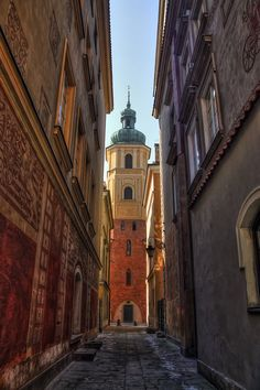Colorful Warsaw http://www.travelandtransitions.com/destinations/destination-advice/europe/
