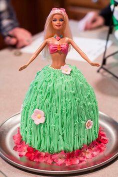 Barbie laua cake