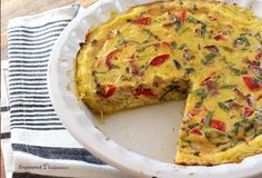 This easy quiche features a one-ingredient, paleo-friendly spaghetti squash crust. And also bacon. Whole 30 Breakfast, Paleo Breakfast, Breakfast Recipes, Bacon Quiche, Easy Quiche, Paleo Recipes, Cooking Recipes, Paleo Meals, Paleo Spaghetti Squash