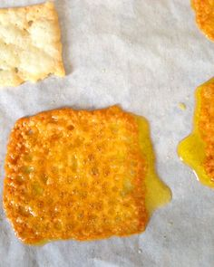 Gluten free Low carb cheese crisps alternative to potato chips. Quick and easy to make with little clean up. Great for parties, with dips, or on their own.