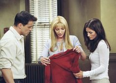 """""""The one with the red sweater"""" Joey, Phoebe, and Monica. Phoebe thinks she knows the father of Rachel's baby. Friends Season 8, Friends Episodes, Tv Episodes, Chandler Friends, Friends Tv Show, 3 Friends, Best Sitcoms Ever, Dirty Dancing, Great Tv Shows"""