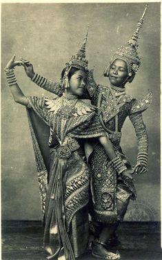 Antique Pictures, Old Pictures, Cambodian Art, Thai Design, Thai Pattern, Thailand Art, Thai Fashion, Mask Dance, Thai Art