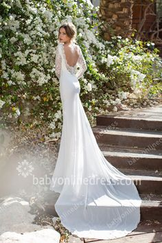Lace Wedding Dresses Long Sleeves Sheer Backless V-neck Chiffon Sweep Train White Bridal Gowns