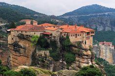 Wow just wow! #meteora #travelgram #wanderlust #vscocam #vscotravel #canon #eos100d #canon100d #visitgreece #daytrip #monastery #clifftop #unesco #worldheritage
