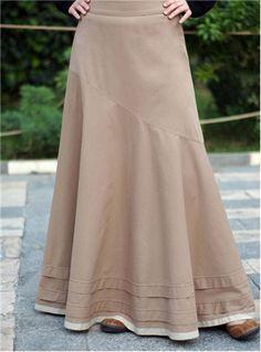 Cute long ruffled skirt.
