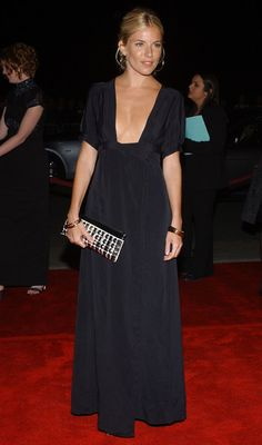 Sienna Miller - Page 21 - the Fashion Spot Estilo Sienna Miller, Sienna Miller Style, Looks Party, Dress Skirt, Dress Up, Winter Mode, Looks Chic, Inspiration Mode, Red Carpet Fashion