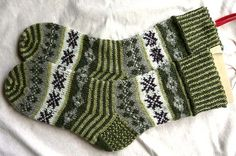 Ravelry: Project Gallery for Isla Buena Socks pattern by Terry Morris