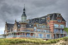 Badpaviljoen - Domburg. What a nice place. Good food, great atmosfeer and a fantastic view on the beach and sea.