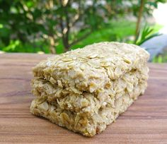 LaHave Bakery Oatcakes are the first oatcakes I have eaten. Loved them. Sharing the recipe with you if you live too far away to buy them there. Scottish Recipes, Scottish Oat Cakes, Irish Recipes, Canadian Food, Oatmeal Recipes, Galette, Cookie Recipes, Snacks Recipes, Easy Recipes
