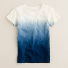 DIY: Dip Dyed T-shirt - I Arted Shirt - Ideas of I Arted Shirt - diy dip dyed t-shirt.to me I think it would be better if it was long sleeve and its so durable Tie Dye Shirts, Tee Shirts, Patron T Shirt, Diy Fashion, Mens Fashion, Diy Kleidung, Diy Vetement, Diy Clothing, Diy Shirt