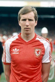 Peter Nicholas Wales who won 72 Wales international caps between 19761986 Welsh Football, Retro Football, Chelsea Football, Sport Football, Football Shirts, Soccer, International Football, England Football, Sports Stars