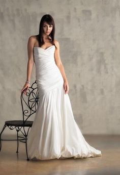 Http://www.NewYorkusads.com. Free ads for products and services including a wide selection of beautiful wedding gowns to choose from for your special day.