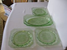 Oval Platter and Salad Plates Vintage by hazeleyesartglassetc $39.99