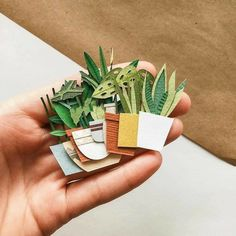 Diy Paper Plants Flower Tutorial 23 New Ideas Origami, Diy And Crafts, Crafts For Kids, Arts And Crafts, Paper Plants, Paper Cactus, Pen Pal Letters, Diy Papier, Ideias Diy