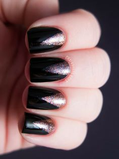 The perfect New Year's Eve nails!