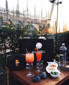 Rich lifestyle, luxury lifestyle women, lifestyle fashion, luxe life, l Luxury Lifestyle Women, Rich Lifestyle, Lifestyle Fashion, Luxe Life, Rich Girl, Luxury Living, Life Goals, Belle Photo, Girly Things