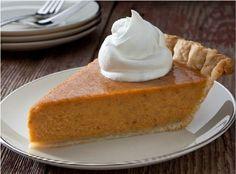 Neodmysliteľnou súčasťou jesennej kuchyne je tekvica. Táto oranžová potravina má jednu krásnu výhodu. Nemusíte sa obávať kilogramov navyše. Pre milovníčky sladkého máme skvelý tip na zdravý a chutný koláč.