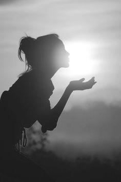 ✔ Kiss the sunset ~ Hen Night Bucket List. #hen #party #idea
