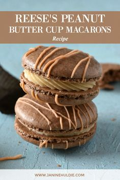 Do you love peanut butter and macarons? Then, you must try my sure-fire Reese's Peanut Butter Cup Macarons recipe here now. Desserts Keto, Just Desserts, Delicious Desserts, Plated Desserts, Health Desserts, French Macaroon Recipes, Best Macaroon Recipe, French Macaroons, Recipe For Macaroons