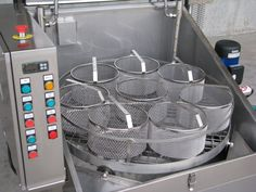 SMALLER BASKETS  Basket for small components    Stainless steel baskets for small components with rounded edges and handle.