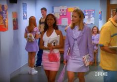 dionne from the clueless tv show bringing tiny beaded bags into Dionne Clueless Outfits, Clueless Fashion, Teen Fashion Outfits, Chic Outfits, 90s Fashion, Stacey Dash Clueless, Clueless Aesthetic, 1990 Style, Tv Show Outfits