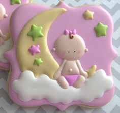Baby Decorated Sugar Cookies With Baby and Moon Royal Icing Design. Fancy Cookies, Iced Cookies, Cute Cookies, Cookies Et Biscuits, Sugar Cookies, Heart Cookies, Cupcakes, Cupcake Cookies, Royal Icing Cookies